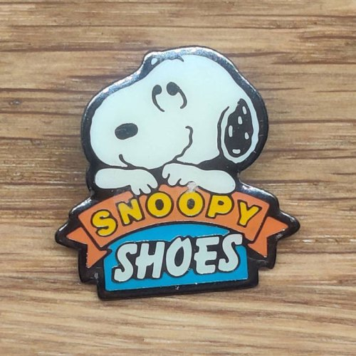 Snoopy Shoes Pin