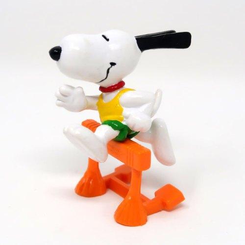 Hurdler Snoopy PVC Figurine