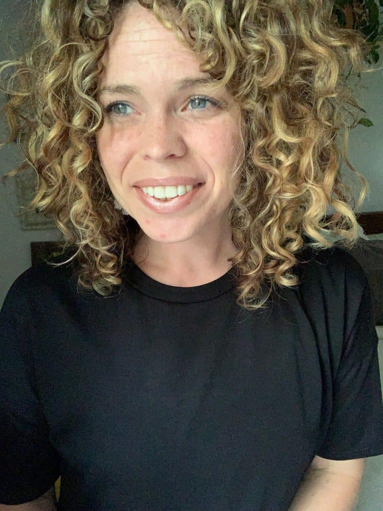 Curly Hair Products: How To Test And Experiment On Your Curls