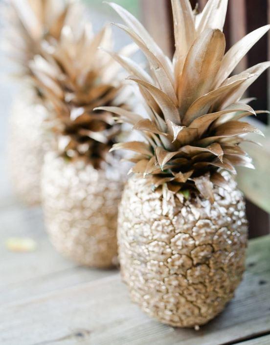 diy golden pineapple decorations