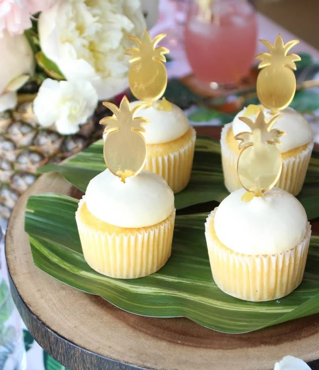 tropical theme cupcakes