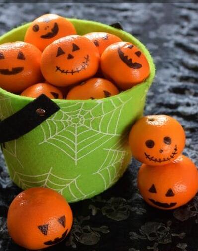 Halloween oranges