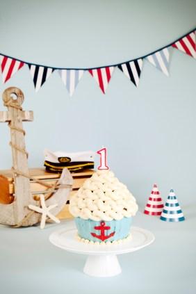 Ari first birthday cake smash