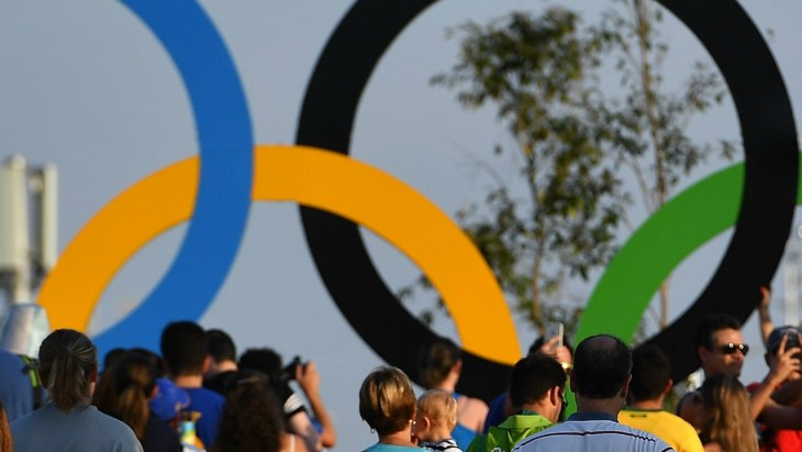 Spectators Olympic Rings