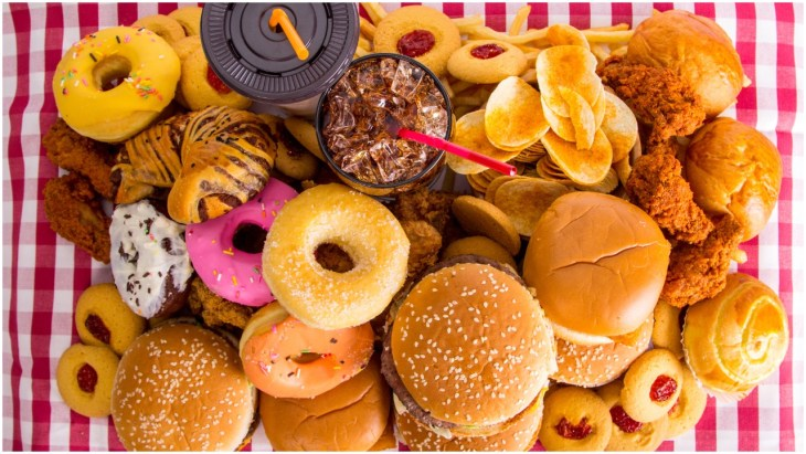 Signs You're Addicted to Junk Food