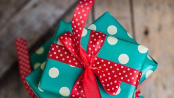 These Are The Best Tricks & Tips For Your Holiday Etsy Shopping