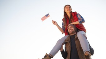 Here Are The Best & Most Romantic Memorial Day Weekend Date Ideas