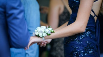 How To Create The Perfect At-Home 2020 Prom