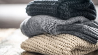 Varieties of Sweaters for College Students