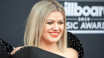 Kelly Clarkson Divorces Husband Of Seven Years