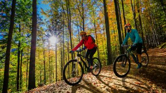 5 Ways To Spend A Fun Fall Day With The Girls