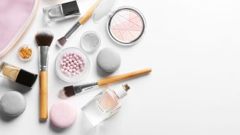 How To Keep Your Makeup Looking Fresh In The Summer Heat