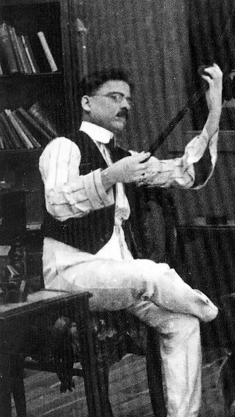 Filmmaker Dadasaheb phalke information Biography in Marathi language