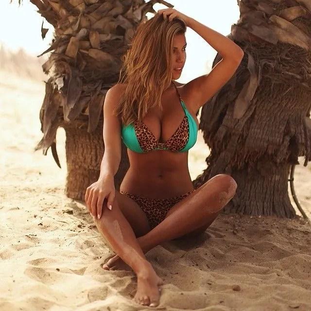 models-summer-bikini-18