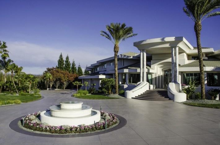 Eddie-Murphys-Granite-Bay-Mountaintop-Estate-14