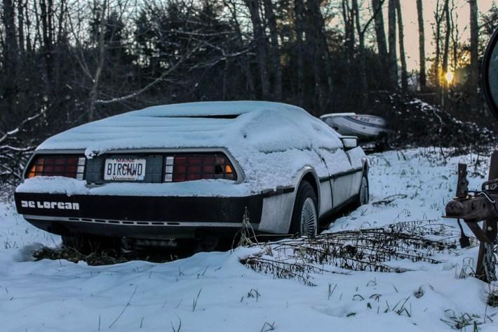 abandoned-supercars-De-Lorean-23