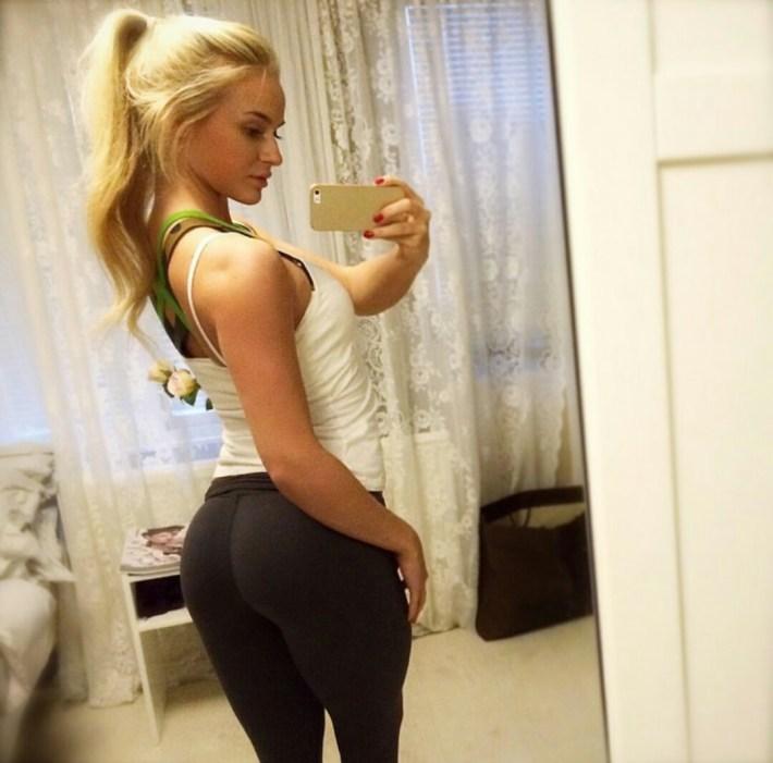 sexy-girls-yoga-pants-13