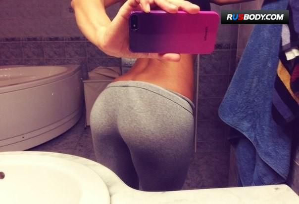 hottest-girls-yoga-pants-7