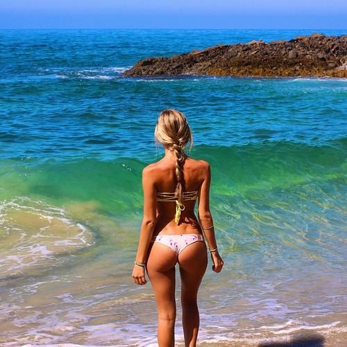 sexy-bikini-girls-27
