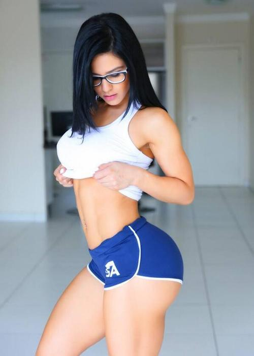 sexy-babes-yoga-pants-17