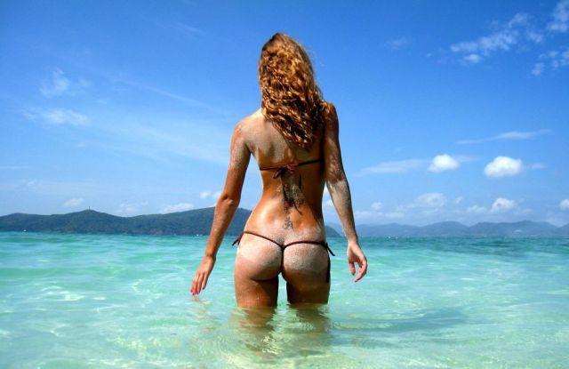 bikini-sand-ass-14