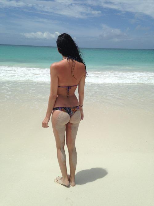bikini-sand-ass-5