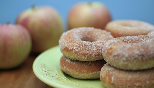 Baked Apple Cider Doughnuts from CollegiateCook.com