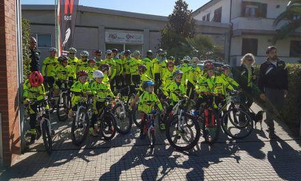 """PRESENTATE UFFICIALMENTE LE NUOVE SQUADRE DEL """"CYCLING TEAM"""""""