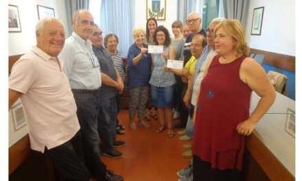 910 € IL RICAVATO DELLA FESTA DELLE ASSOCIAZIONI, DONATO AI DUE ISTITUTI SCOLASTICI DEL TERRITORIO