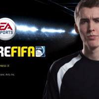 Amigos transformam partida de futebol em jogo de vídeo-game