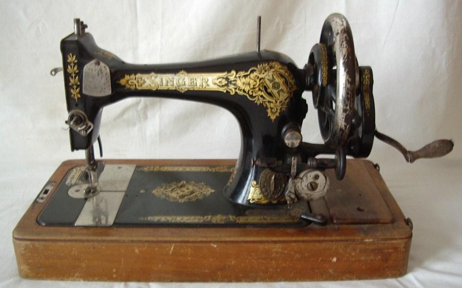 Singer Manufacturing macchina da cucire da tavolo  Collezione OnLine