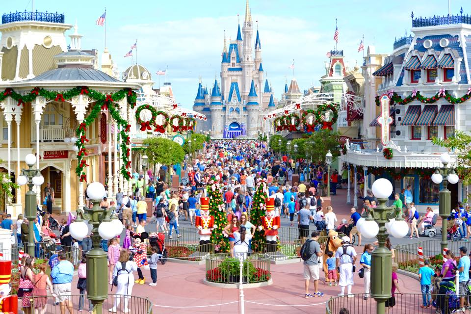 When Is Magic Kingdom Decorated For Christmas