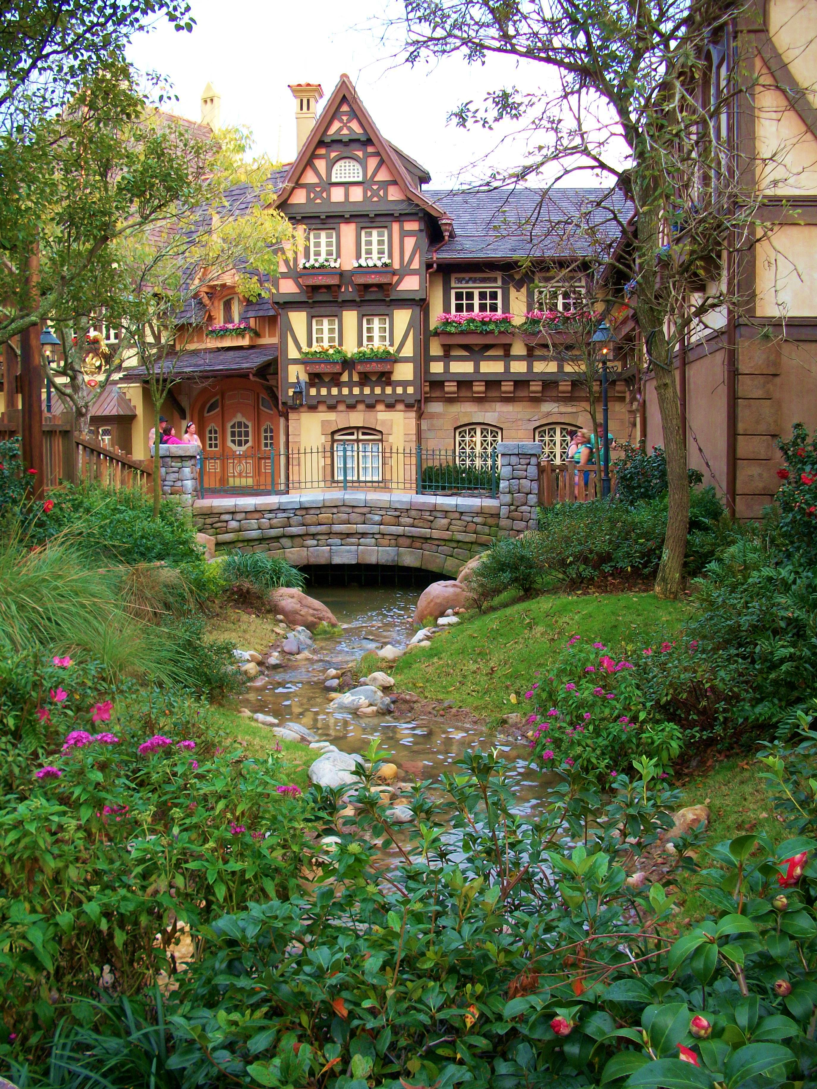 The Hidden Gardens Of Tangled At The Magic Kingdom