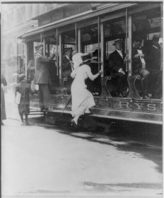 Woman-Boarding-Streetcar-LOC-Bain-Collection-web