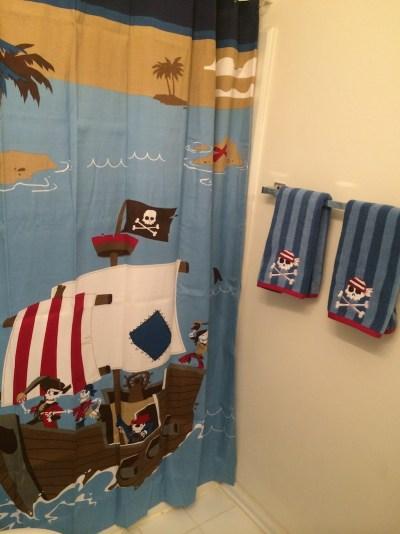babyg-piratebathroom2