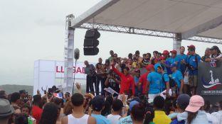 Marcos agradeció a todos los presentes luego de que los médicos confirmaron que su estado de salud era óptimo. FOTO: Ángel Martínez.