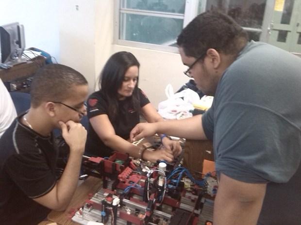 2_Estudiantes INTEC y RUM colaboran en Automatizacion de Procesos