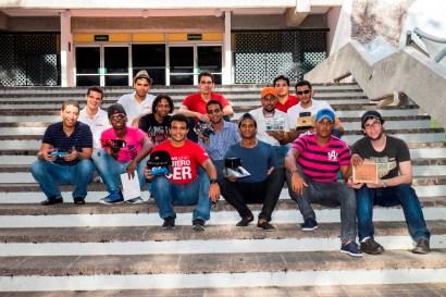 Ganadores y organizadores de Hands-on INTEC 2014, la séptima competencia de robótica de la carrera Mecatrónica. Foto: R. Hernández.