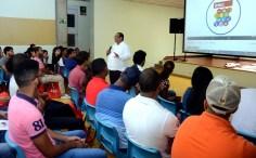 Decano de la División de Servicios a Estudiantes, Bernardo Echavarria
