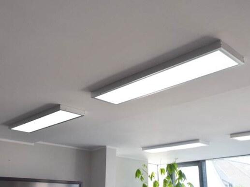 LED Deckenleuchte mit Farbwechsel 120x30 dimmbar Silber