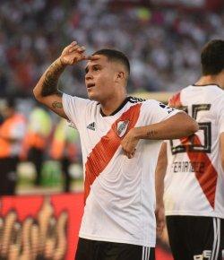 Juan Fernando Quintero maakt magistraal doelpunt in topduel tegen Racing Club