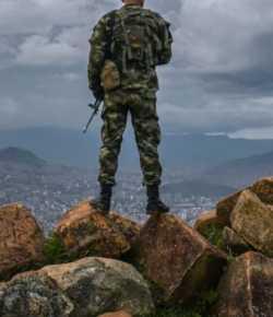 Soldaat omgekomen en vier gewonden bij aanslag op militaire basis in Tibú