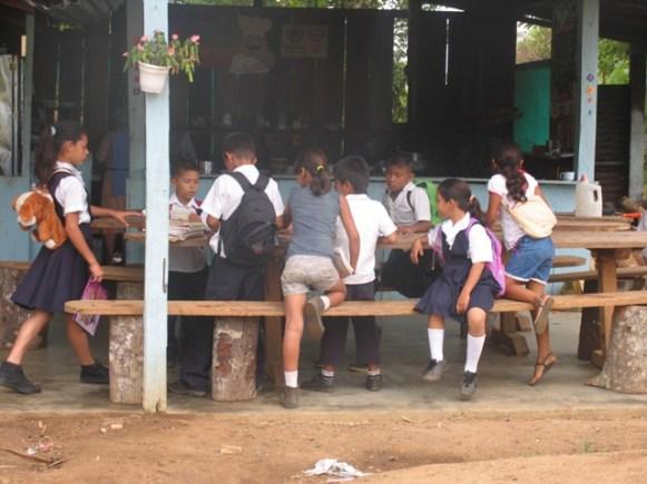 escuelavillaluzantes2012006
