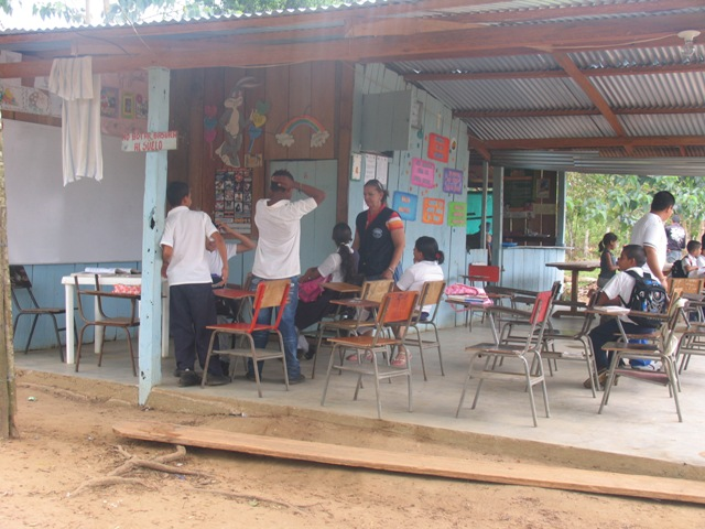 escuelavillaluzantes2012008