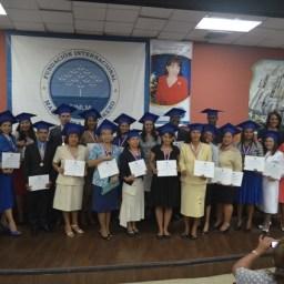 graduacion5abril2014015