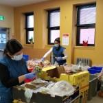 Dentro de los alimentos donados hay verduras y frutas de primera calidad