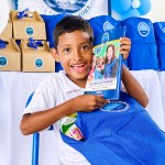 La Fundación llevó felicidad a los niños de Puerto César con la entrega de kits escolares.