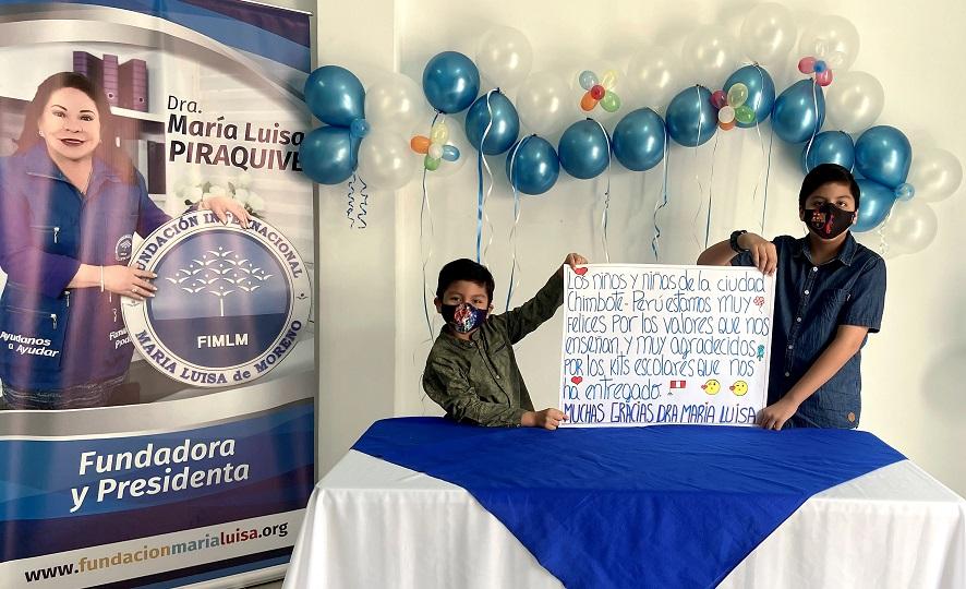 1 PORTADA Entrega de kits escolares Chimbote Peru