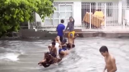 barranquilla jóvenes inundada