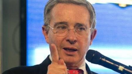 alvaro uribe velez consulta anticorrupcion